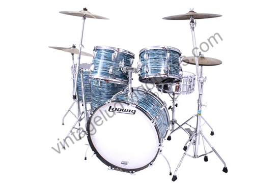 1976 Ludwig Classic Blue Oyster Pearl